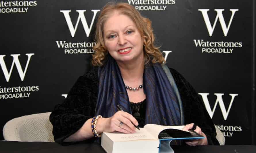 Hilary Mantel signing a copy of The Mirror and the Light.