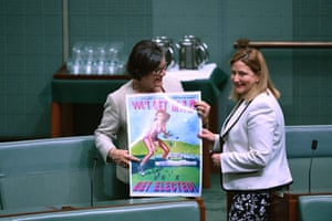 Crossbenchers Cathy McGowan and Rebekha Sharkie with their poster in parliament.