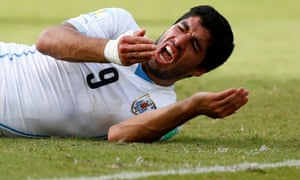 Luis Suárez reacts after the clash with Giorgio Chiellini.