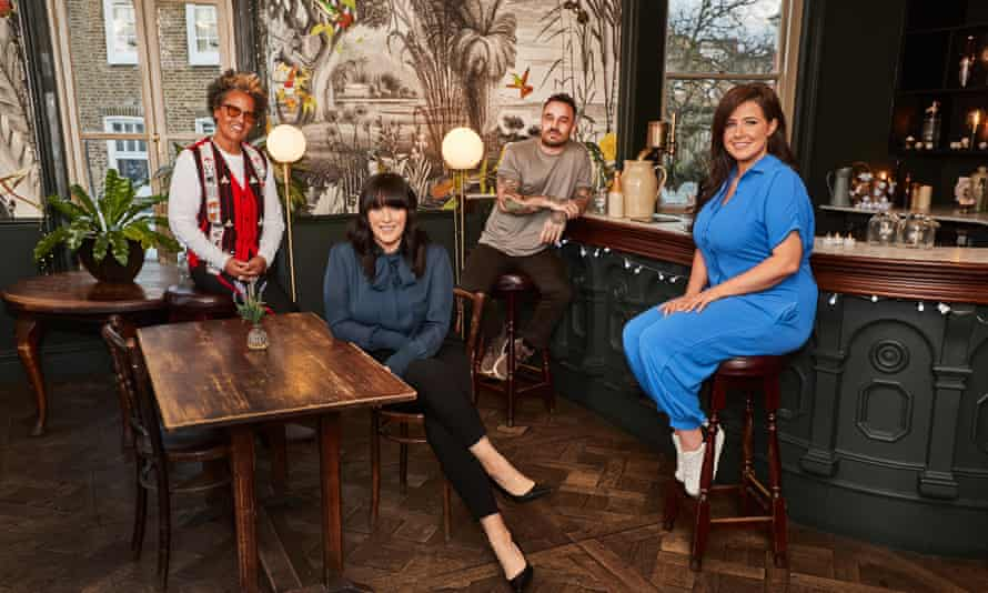 Anna Richardson and her team in How to Save a Grand in 24 Hours