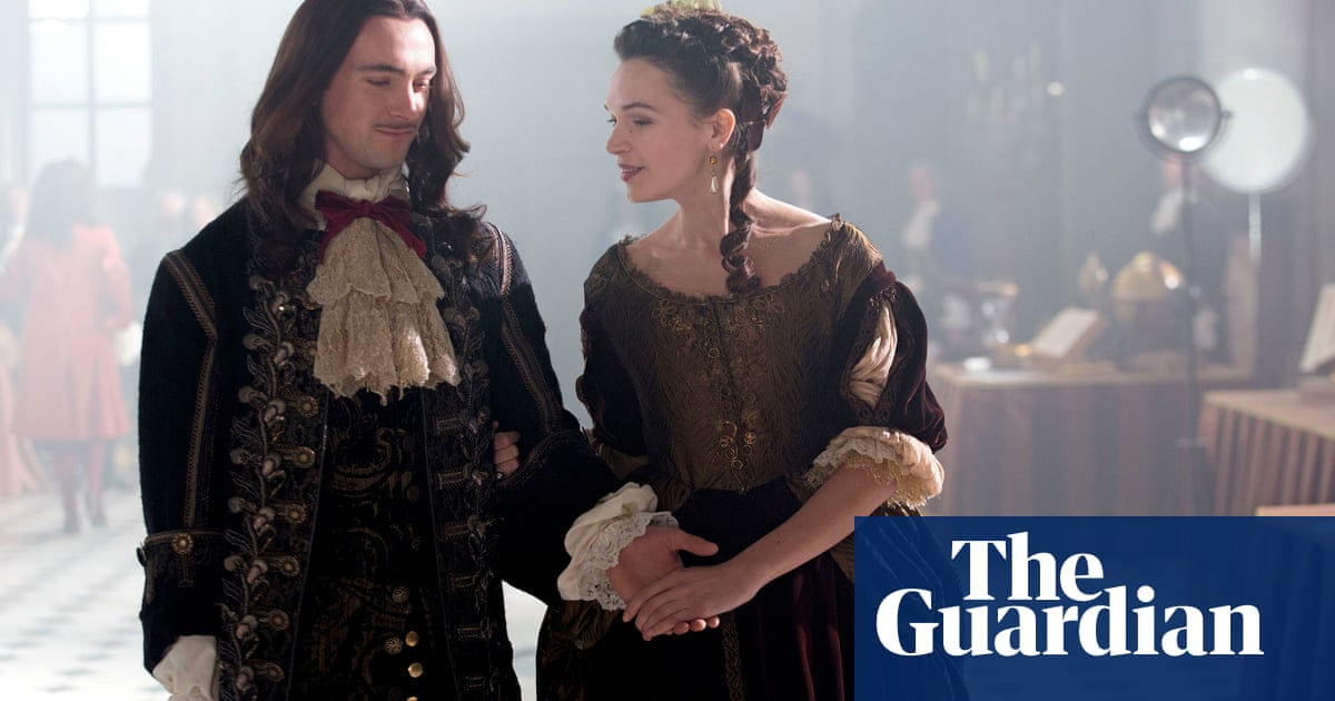 versailles season 2 episode 1 english