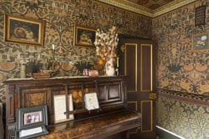 Front room in the modest 19th-century rowhouse of the decorative painter David Parr.