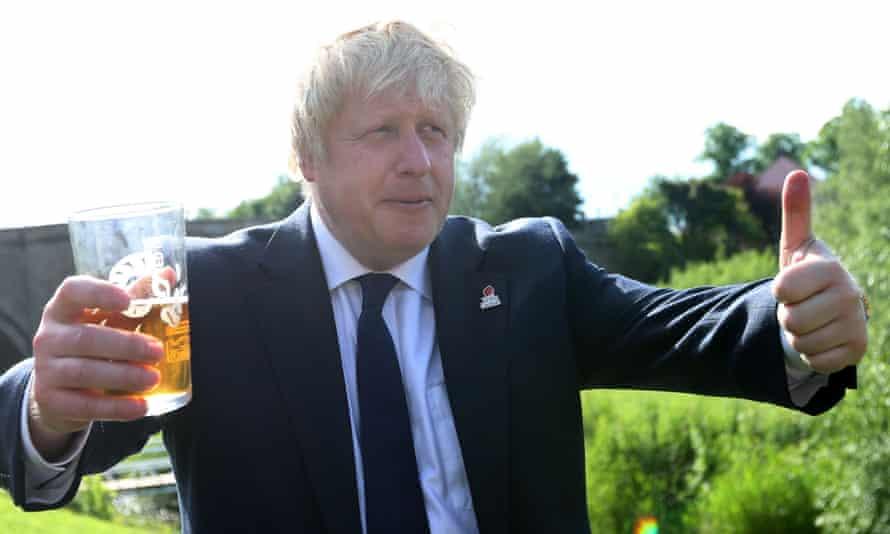 Boris Johnson campaigning for Brexit in June 2016.
