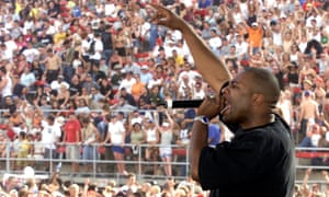Jam Master Jay, AKA Jason Mizell, performs in 2001, the year before his death.