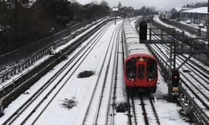 Snowfall along the Metropolitan line in Harrow