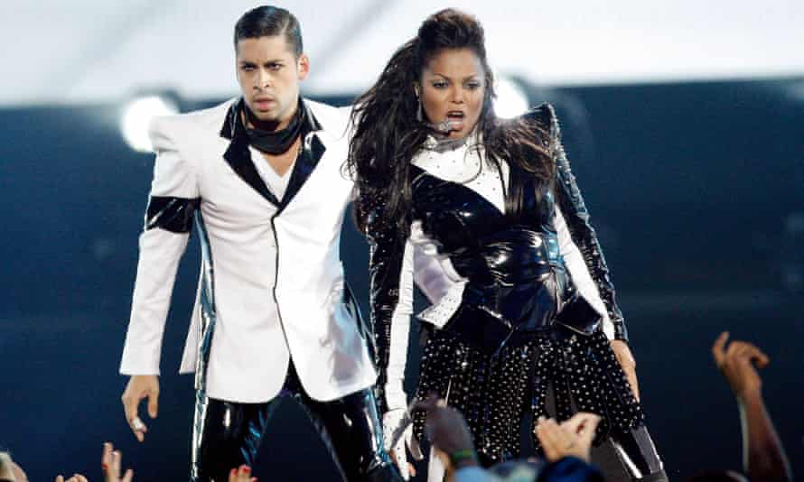Janet Jackson performs during the 2009 MTV Video Music Awards in New York.