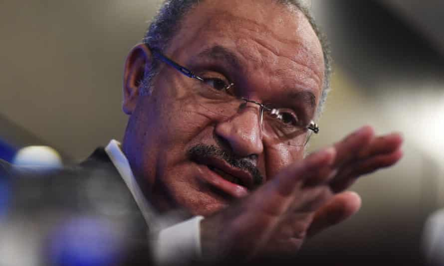 Peter O'Neill remains as the prime minister of Papua New Guinea after beating a no-confidence motion.