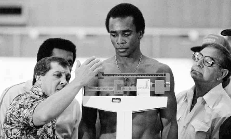 Angelo Dundee (right) also worked with great fighters such as Sugar Ray Leonard