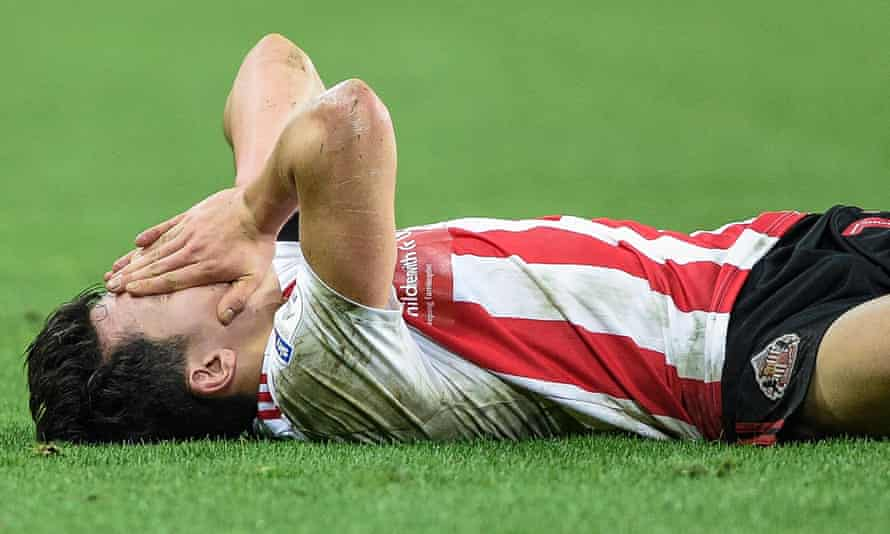 Sunderland's Luke O'Nien feels the pain during a home defeat by Burton.