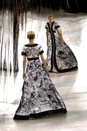 An image from Giles Deacon's summer show 2007.