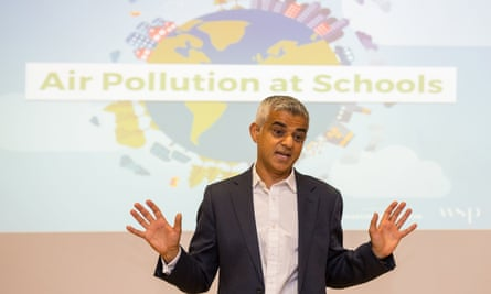 Sadiq Khan launches the first of 50 air quality audits at Prior Weston primary school