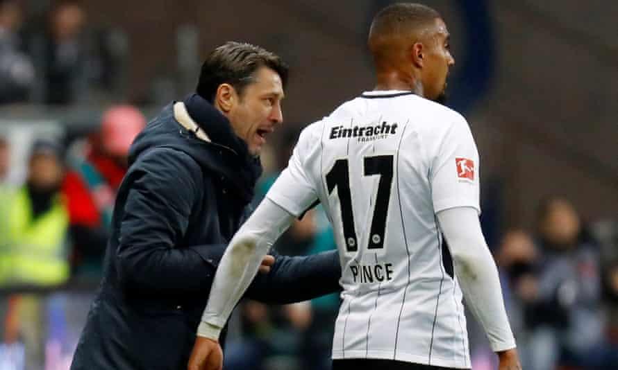 Niko Kovac gives Kevin-Prince Boateng an instruction.