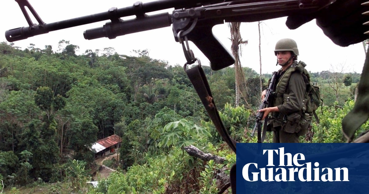 Thousands forced to flee as rights group warns of 'war' in Colombia border area