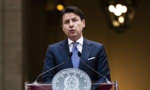 The Italian prime minister Giuseppe Conte addresses a press conference in Palazzo Chigi.