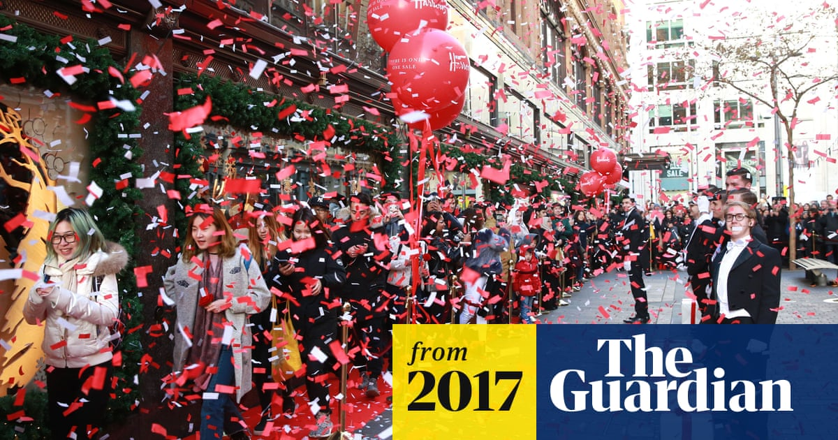 abb43397e69 Boxing Day sales: shoppers spend big but footfall down on last year ...
