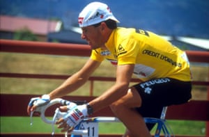 Stephen Roche wears the yellow jersey at the 1987 Tour de France.