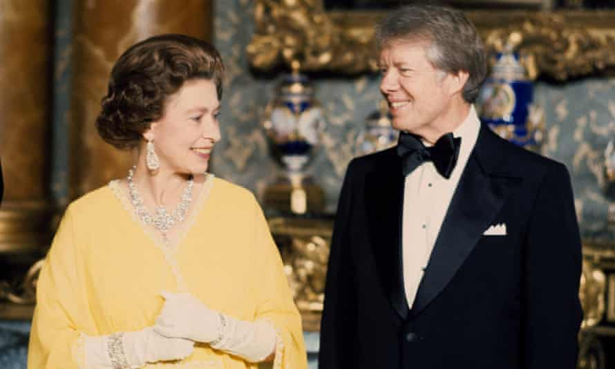 Queen and Jimmy Carter in 1977.
