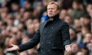 Ronald Koeman makes a point to his Everton players during the 1-0 defeat against Burnley at Goodison Park