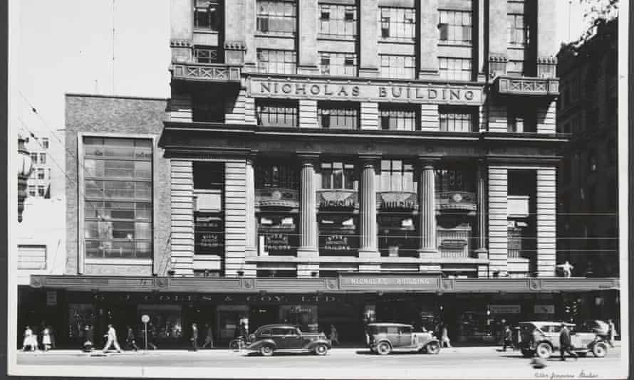 View across street towards the Nicholas Building housing Coles Variety Store, Swanston Street Melbourne, circa 1930s.