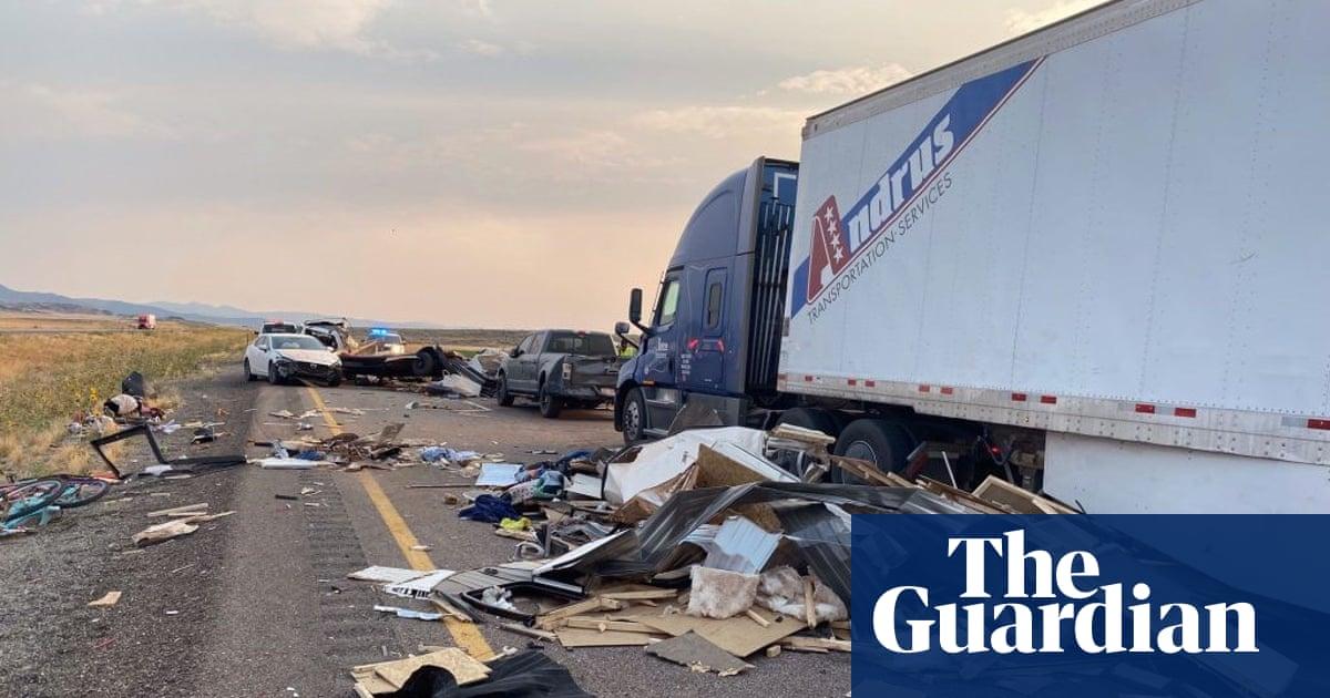 At least seven killed in 20-car pileup in Utah sandstorm