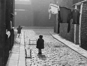 Salford street scene, 1957