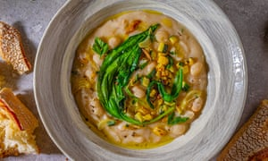 White bean soup with courgette and fresh herbs