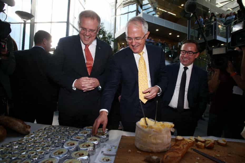 Scott Morrison and Malcolm Turnbull on the campaign trail in 2016.