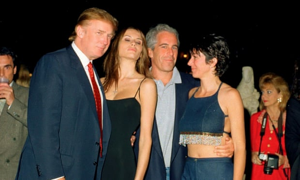 Donald Trump et sa femme Melania Knauss, Jeffrey Epstein et Ghislaine Maxwell à Mar-a-Lago in Palm Beach le12 Février 2000. Photo : Davidoff Studios Photography