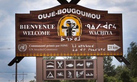 Cree in the 21st century ... a sign welcomes travellers to the Ouje-Bougoumou reserve in Quebec.