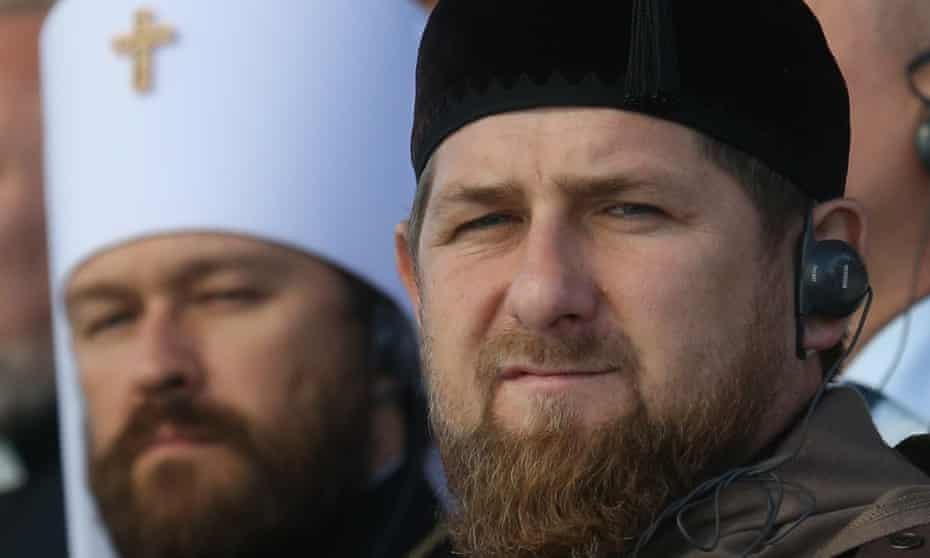 Ramzan Kadyrov (r) says his experience in dealing with Islamic extremists would be ideal in fighting Isis.