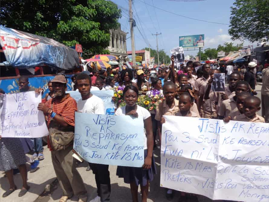 A march on 9 June 2016 from the civil court in Cabaret to the place where the bodies of the women were found.