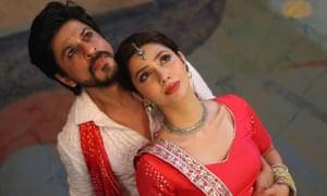 Shah Rukh Khan and Mahira Khan in Raees.