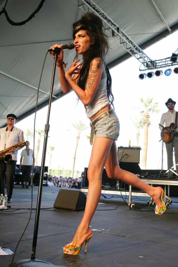 Amy Winehouse wearing Zap Pow shoes by Terry de Havilland in 2007.