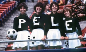 Fans at Pele's final game.