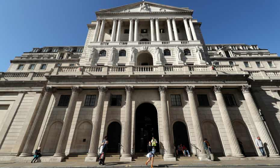 exterior of the bank of england building in the city of london