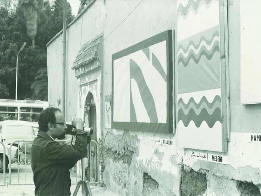 Mohamed Melehi at the street exhibition in Jemaa-el-Fnaa square, Marrakech, in 1969.