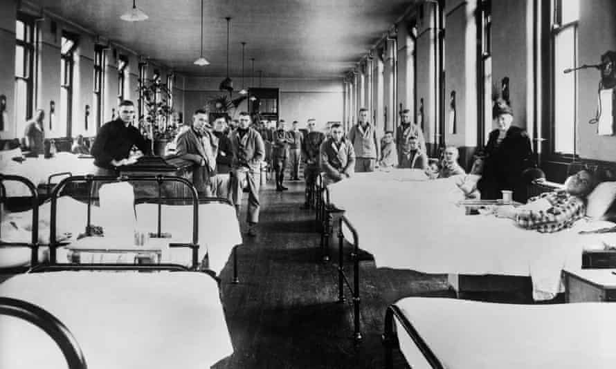US personnel, most of whom were being treated for influenza, at military hospital in Glasgow, Scotland in November 1918