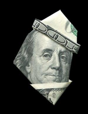 Benjamin Franklin illustrated using banknote origami by Japanese illustrator Yosuke Hasegawa.
