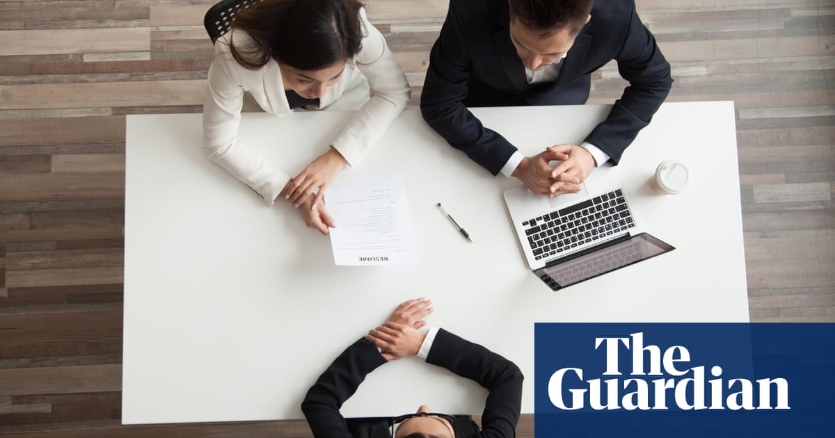 Minority ethnic Britons face 'shocking' job discrimination | World
