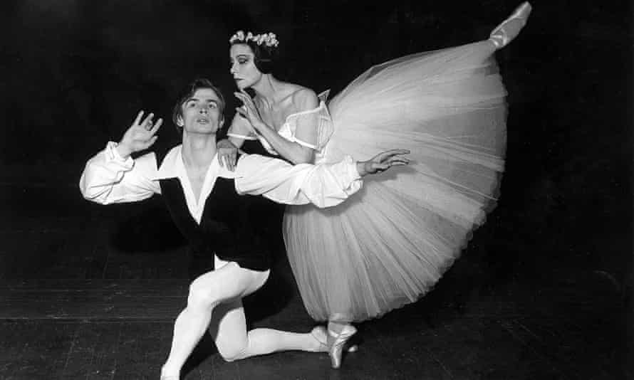 Chauviré performing with Rudolf Nureyev in the early 1960s.