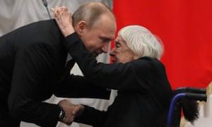 Lyudmila Alexeyeva receives a human rights award from Russian president Vladimir Putin in 2017.