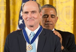 Taylor being awarded the presidential medal of freedom by President Obama in 2015.