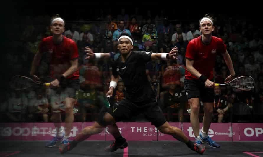 James Willstrop in action against Adnan Nafiizwan at the Commonwealth Games.