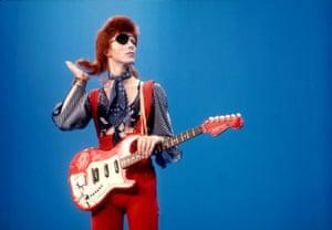 Bowie at Hilversum TV studios for Top Pop in 1975