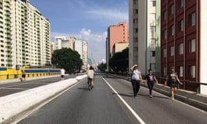 The Minhocão on a sunny Saturday