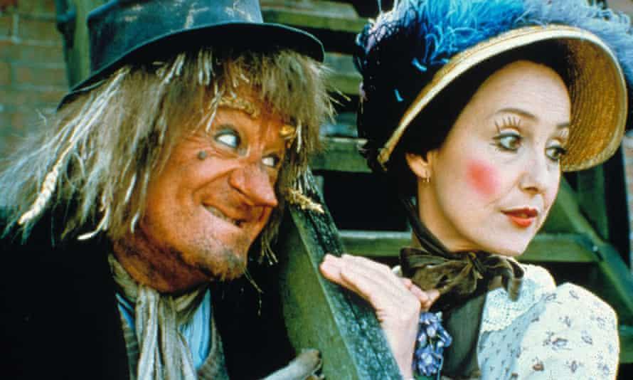 Una Stubbs with John Pertwee in Worzel Gummidge
