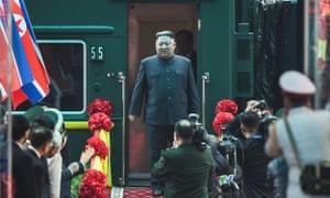 Kim Jong-un arrives in the Vietnamese border town of Dong Dang
