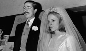 John Richard Bingham, Earl of Lucan, and Veronica Duncan after their marriage in 1963.