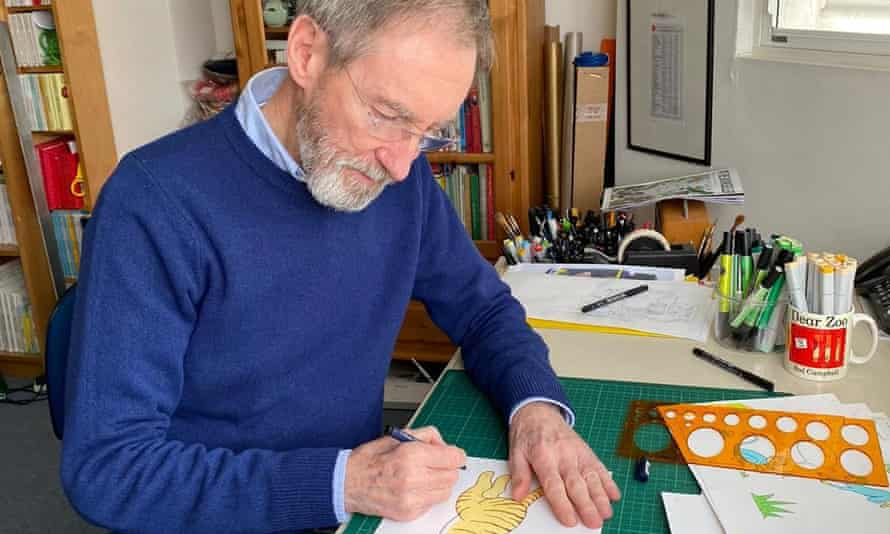Rod Campbell, the author of Look After Us, drawing a tiger for his book.