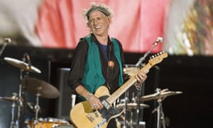 """Keith Richards performs a salute to Merry Clayton of """"Gimme Shelter"""" fame."""